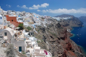 Ia Santorini-2009- Photo courtesy of Simm 1CC BY-SA 3.0