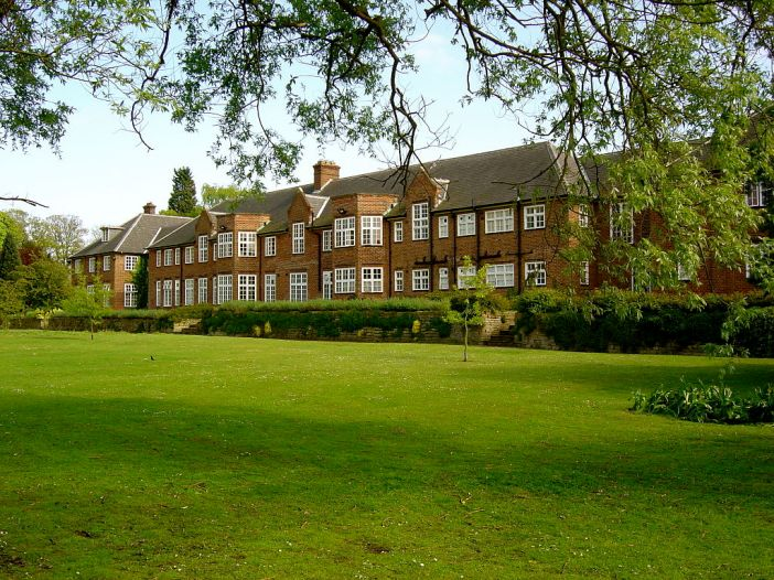 Thwaite Hall University of Hull, UK