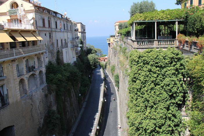 Sorrento_from_Piazza_Tasso