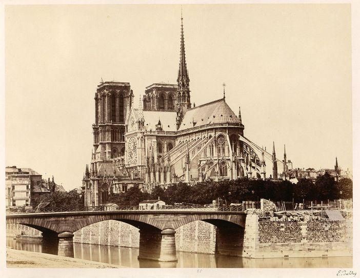 1024px-Édouard_Baldus,_Notre-Dame_(Abside),_1860s_-_Metropolitan_Museum_of_Art